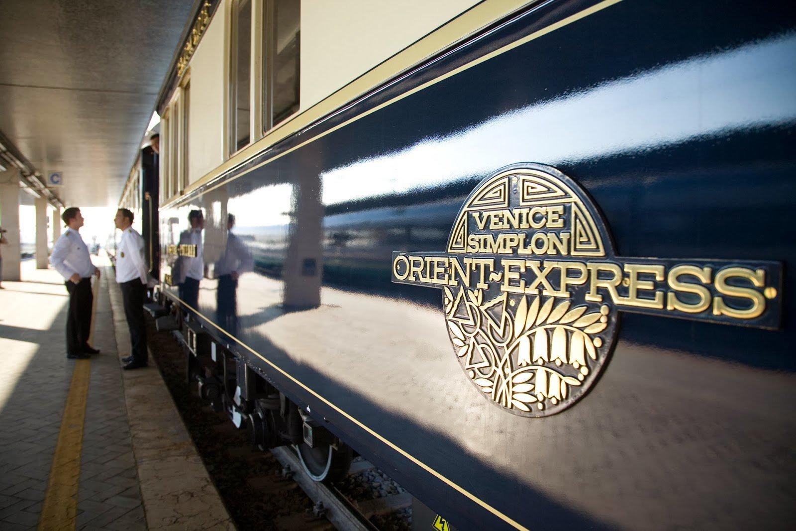 Top 9 Most Exclusive and Luxury Train in the world