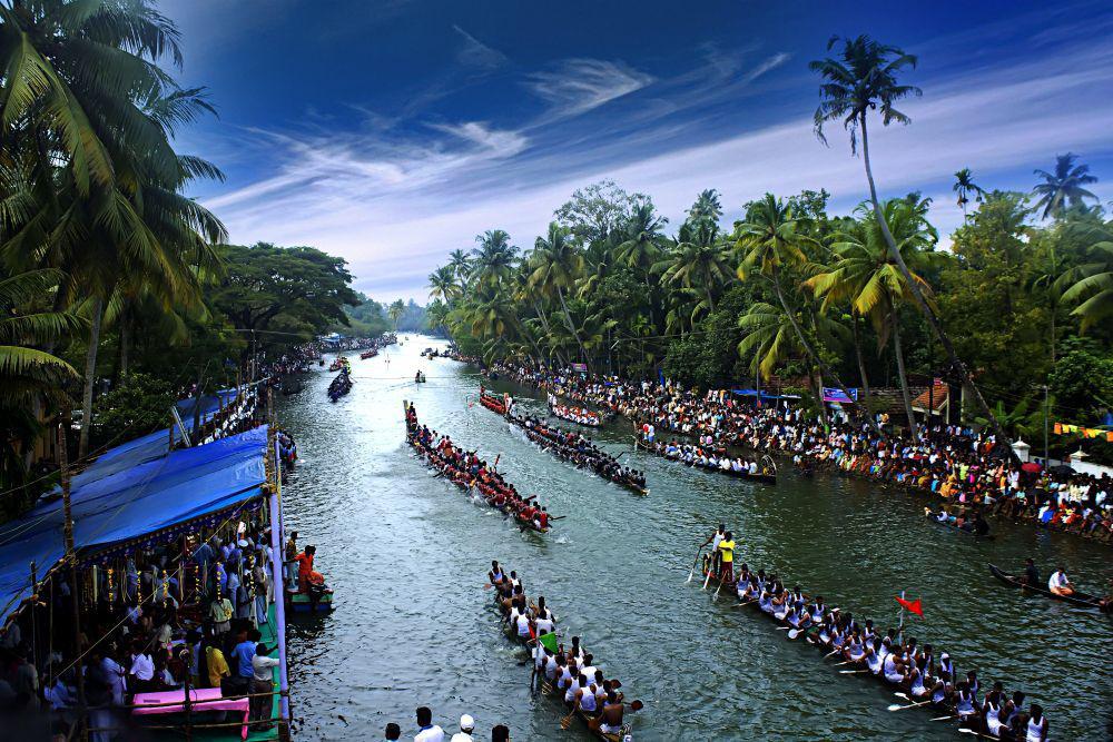 Tourism Season In Kerala