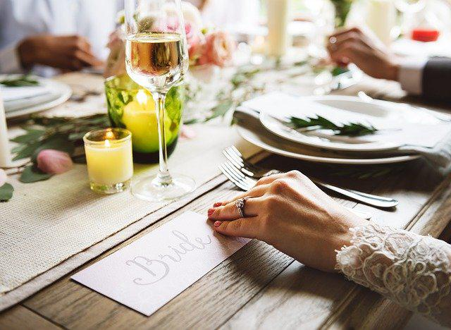Amazing food ideas for a frugal wedding that respects your budget