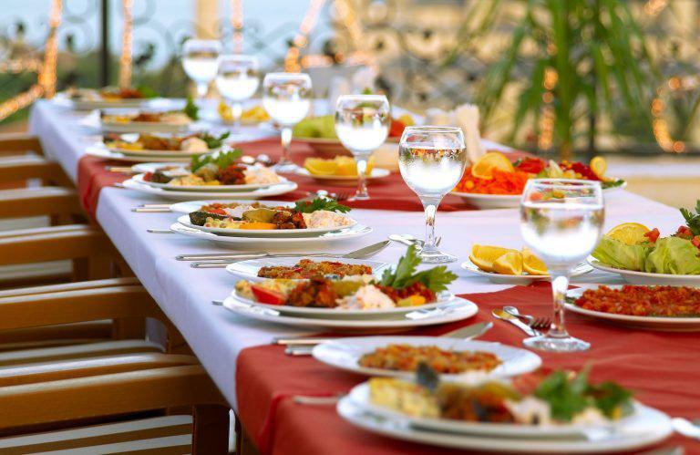 6 Effective Tips to Establish Strong Business Contacts for Catering Company