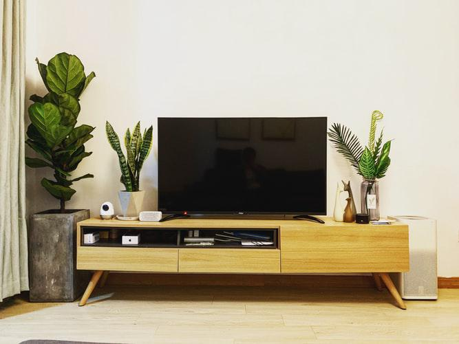 How to connect set top box to TV?