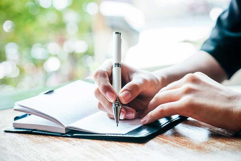 How to choose an essay topic on write in Competition?