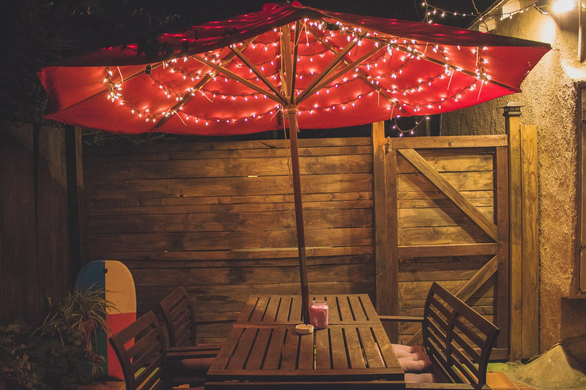 7 stunning lighting ideas for your backyard and kitchen