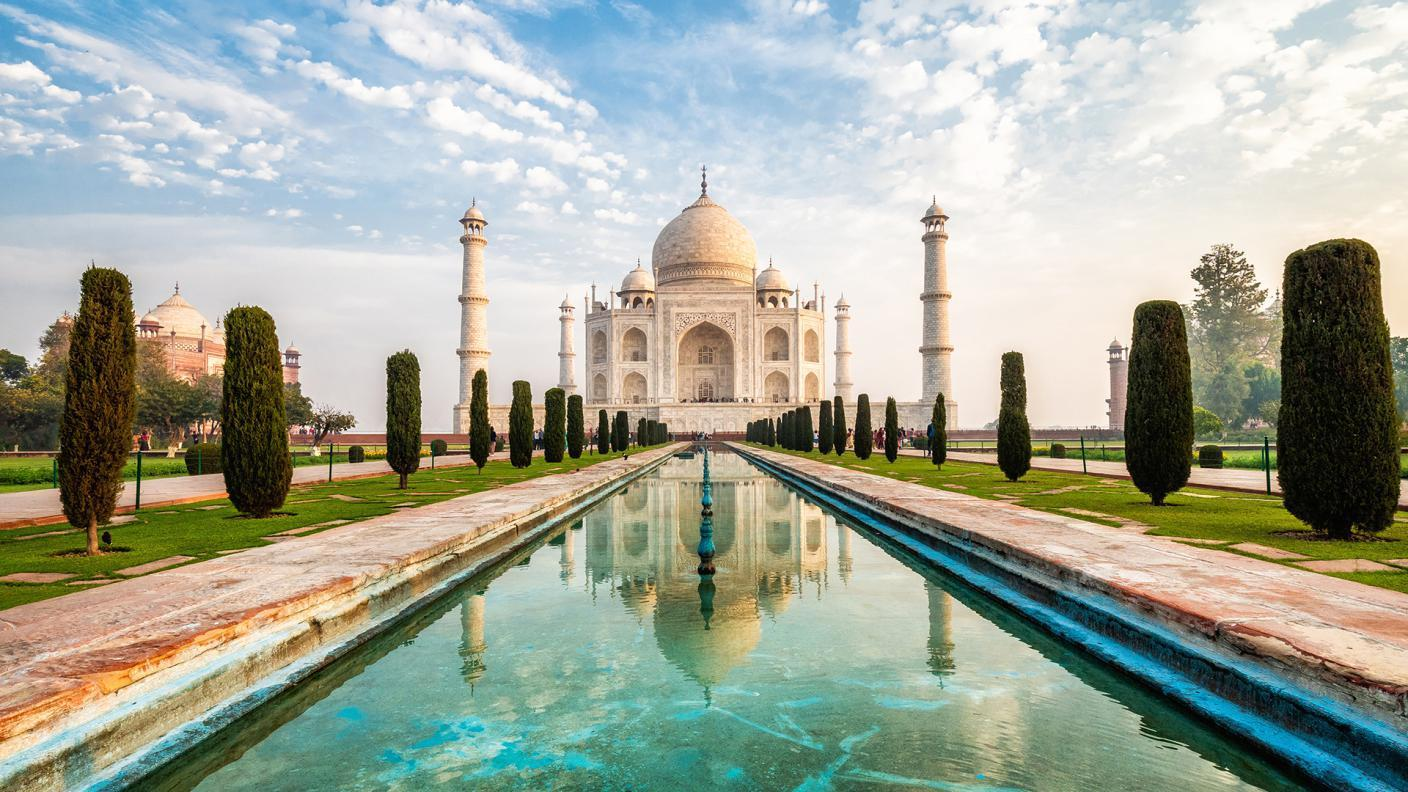 How Much Is A Guide At The Taj Mahal?
