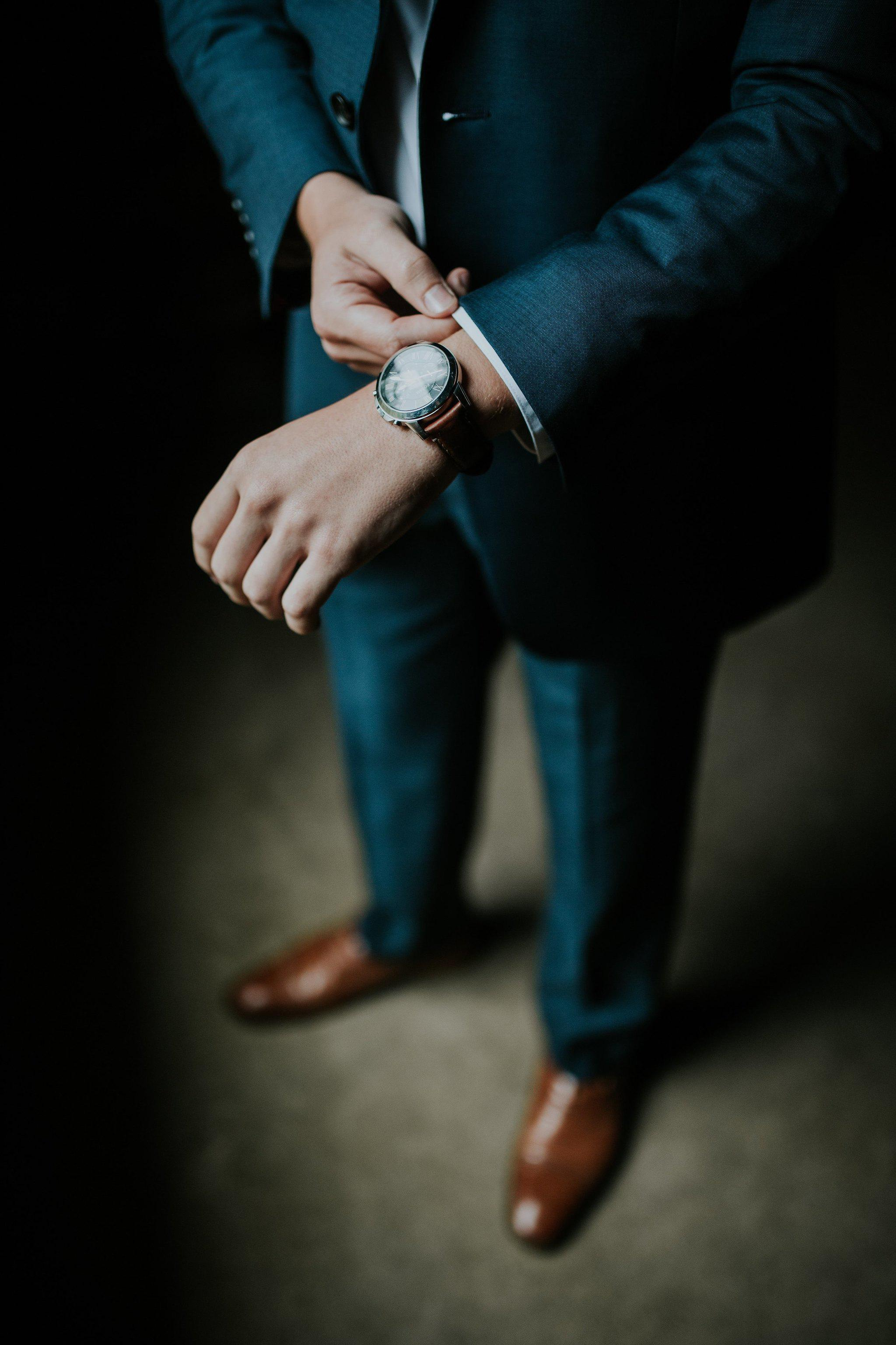 Dress to Impress: 5 Best Men's Watches for Office Wear
