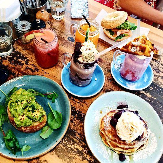Brunch Etiquette 101: 8 Rules You Probably Didn't Know Existed