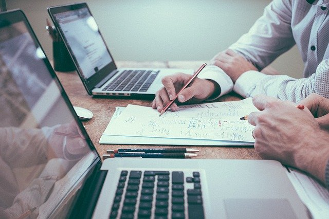 7 Essential Tips to Manage Your Business Finances