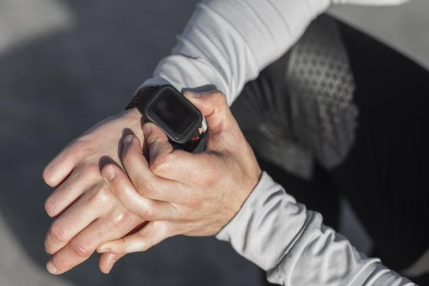 How Different Types of digital Fitness Trackers Are Getting More Popular in the Tech Industry - 2020 Updated