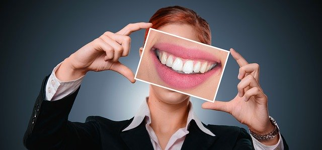 What a Dentist Can Do to Maintain Your Healthy Smile